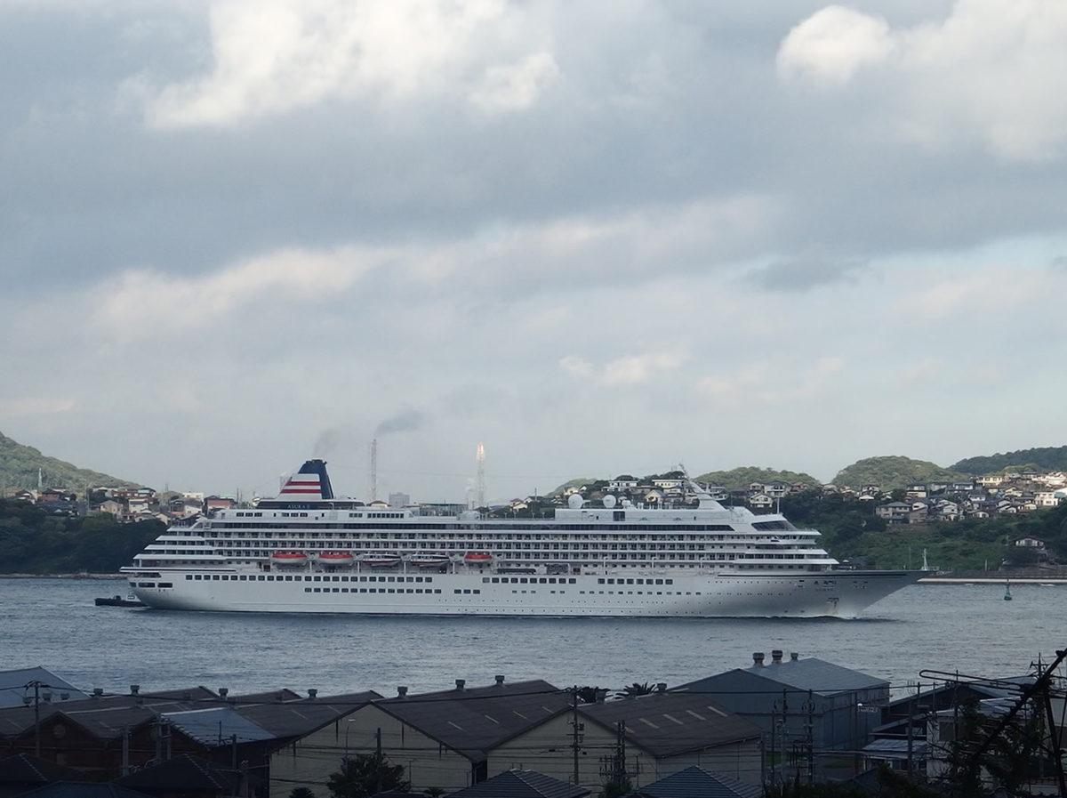 ちっぽけなオトコ 対 巨大客船! / a Little Man v.s. an Huge Ship!
