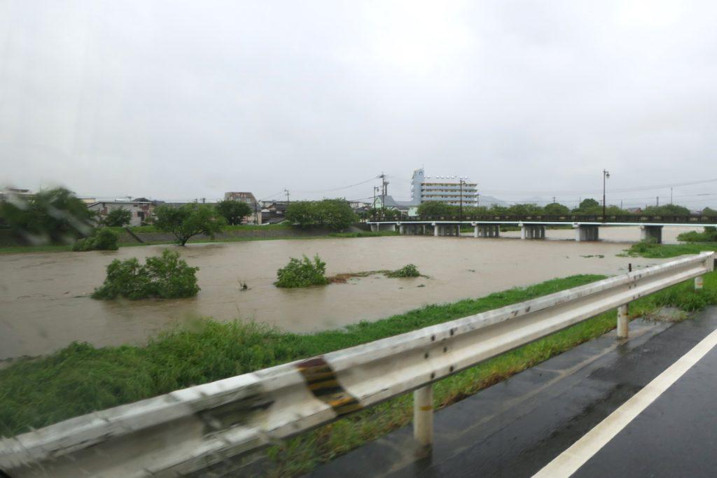 riveroverflowing01